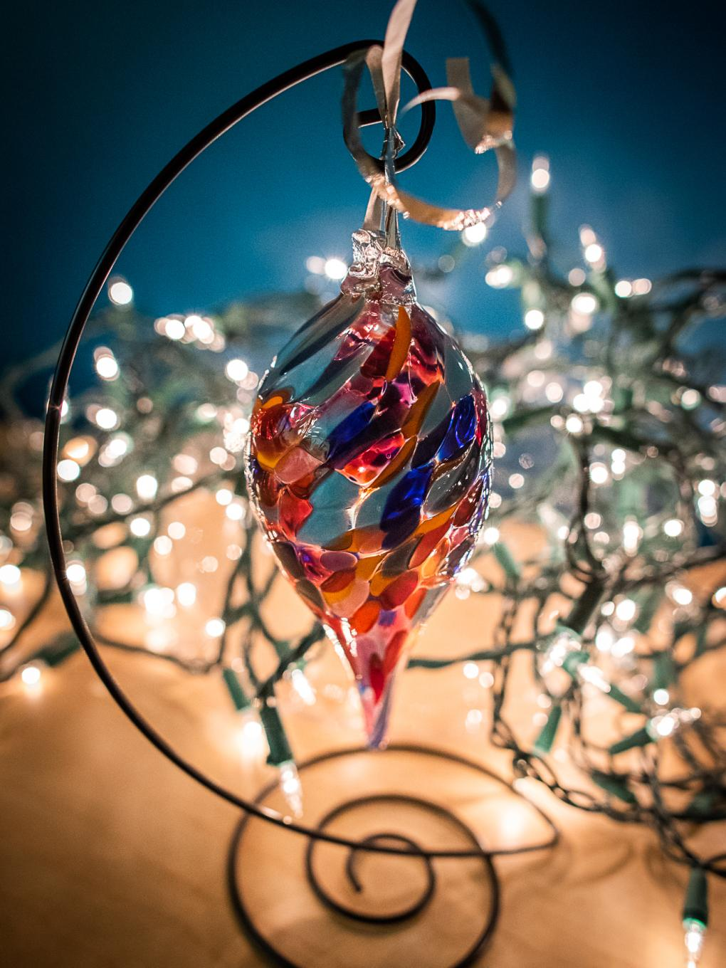 2018's featured ornament, by studio glass artist James Hayes