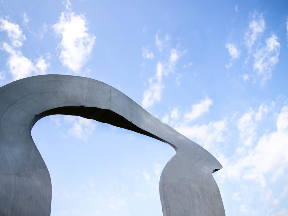 Arch statue