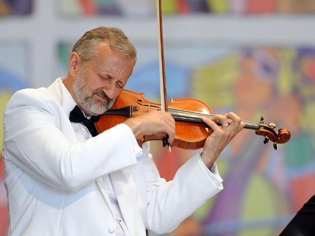James Lyon, violin