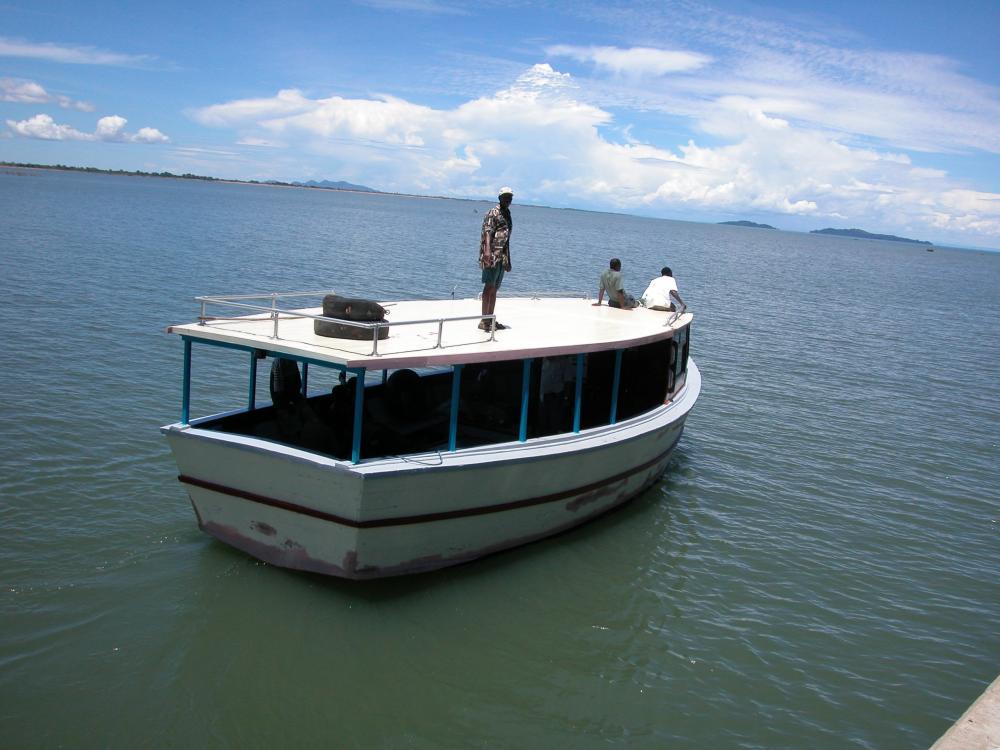 old boat, huge lake